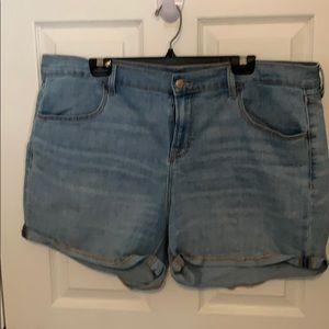 Old Navy cuffed jean shorts